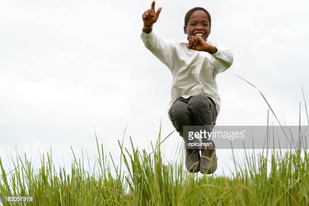 幸せな笑顔若い南アフリカの少年