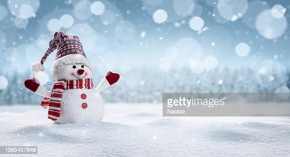 Happy snowman in winter secenery : Foto de stock