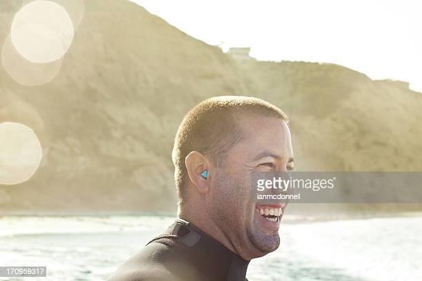 Surfeur heureux