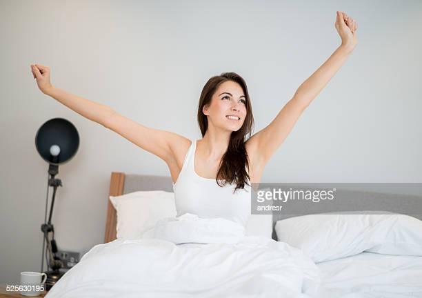 幸せな女性の目覚め