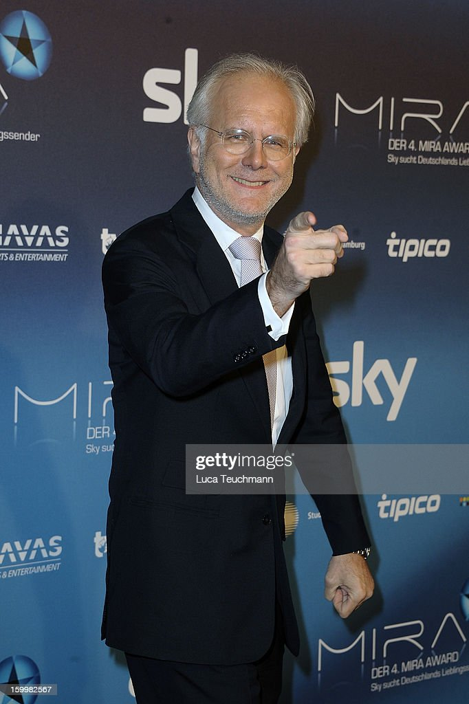 <a gi-track='captionPersonalityLinkClicked' href=/galleries/search?phrase=Harald+Schmidt&family=editorial&specificpeople=2131053 ng-click='$event.stopPropagation()'>Harald Schmidt</a> attends the Mira Award 2013 at Station on January 24, 2013 in Berlin, Germany.
