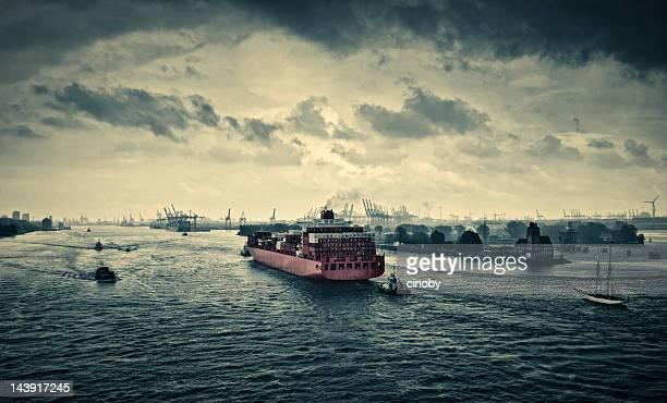 Entrada en el puerto de Hamburgo