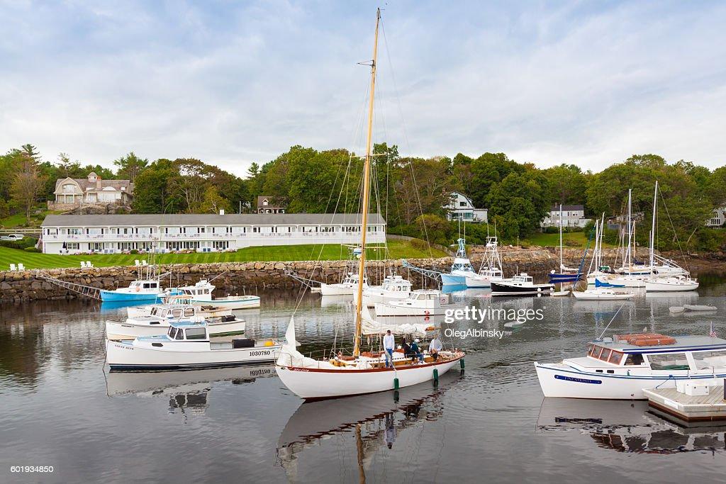 Harbor View Sailboat Fishing Boats And Hotels Perkins Cove Maine