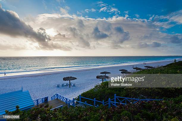 Pink sands beach stock photos and pictures getty images for Pink sands harbour island bahamas