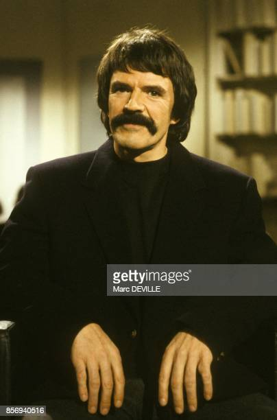 Hard left activist and Jacques Mesrine s accomplice Charlie Bauer on set of television programme Apostrophes on to present his book January 12 1990...