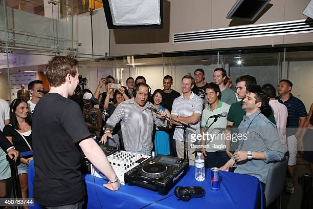 Hardwell hosts a special live edition of his SiriusXM show 'Hardwell Radio' on SiriusXM's Electric Area channel at SiriusXM on June 17 2014 in New...