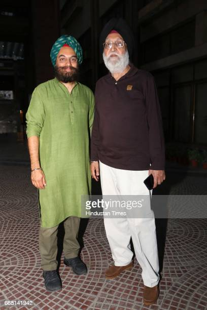 Harinder Singh and MS Gill during the Mela Phulkari at India Habitat Centre on April 9 2017 in New Delhi India Mela Phulkari saw attendees groove to...
