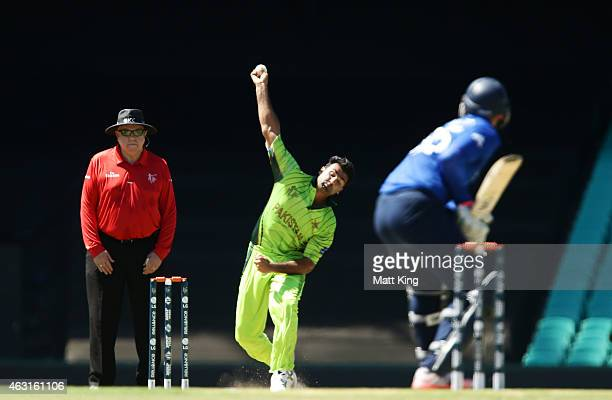 Haris Sohail of Pakistan bowls during the ICC Cricket World Cup warm up match between England and Pakistan at Sydney Cricket Ground on February 11...