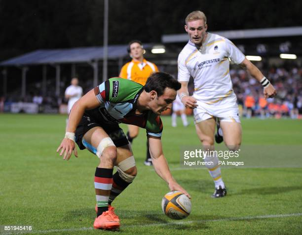 Harlequins' Jordan Burns scores a try against the Worcester Warriors during the JP Morgan Prem Rugby 7's at the Recreation Ground Bath