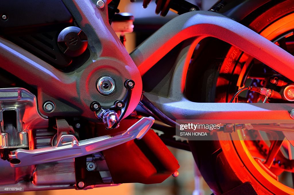 A Harley-Davidson Project LiveWire motorcycle, the company's first electric motorcycle, during a preview June 23, 2014 at a Harley-Davidson dealer in New York. AFP PHOTO/Stan HONDA