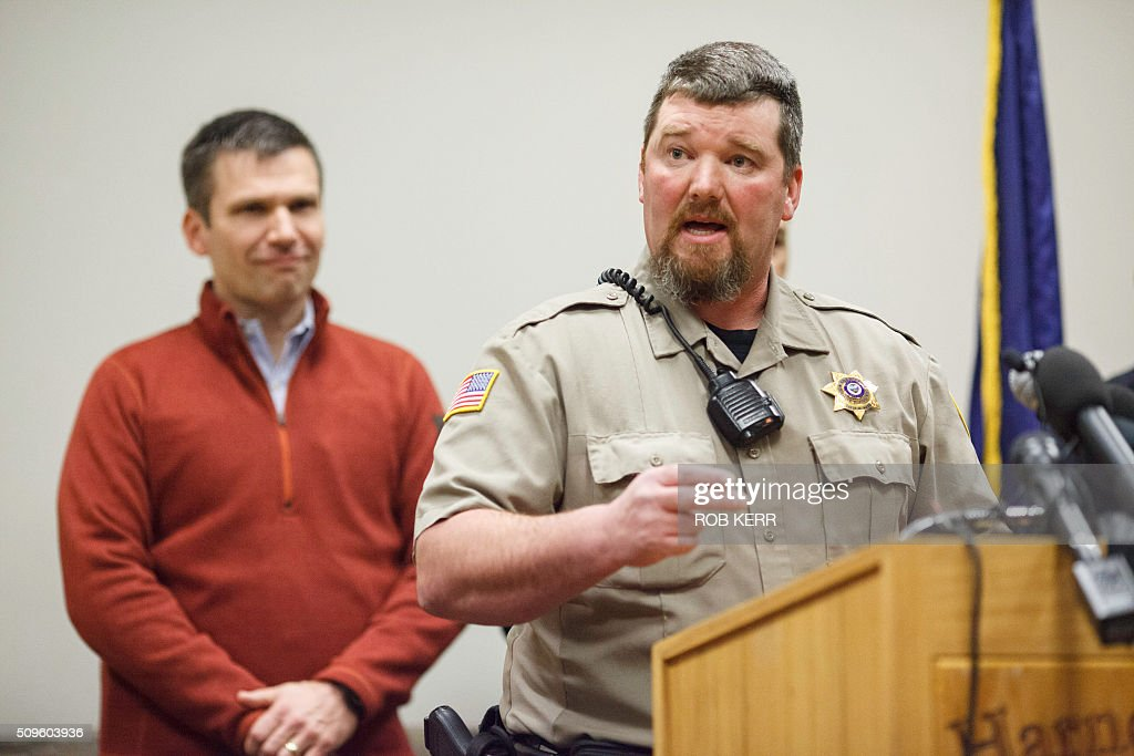 Harney County Sheriff Dave Ward addresses the public at the Harney County Chamber of Commerce in Burns, Oregon on February 11, 2016. The last four armed occupiers of a wildlife refuge in Oregon turned themselves in on Thursday, ending a tense 41-day standoff over grazing rights on federal land that left one dead. / AFP / Rob Kerr / TO GO WITH AFP STORY BY ROBERT KERR