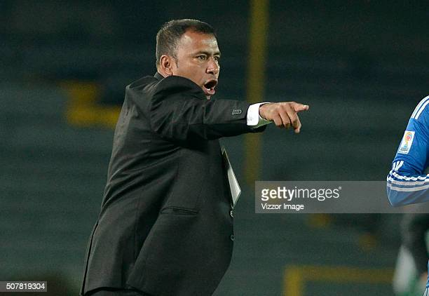 Harold Rivera coach of Patriotas FC gestures during a match between Millonarios and Patriotas FC as part of the Aguila League I 2016 at Nemesio...