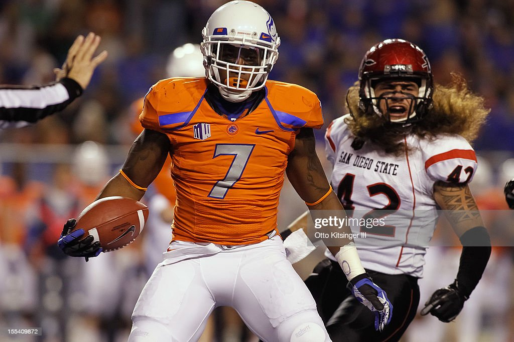 D.J. Harper #7 of the Boise State Broncos reacts after a play against the San Diego State Aztecs at Bronco Stadium on November 3, 2012 in Boise, Idaho.