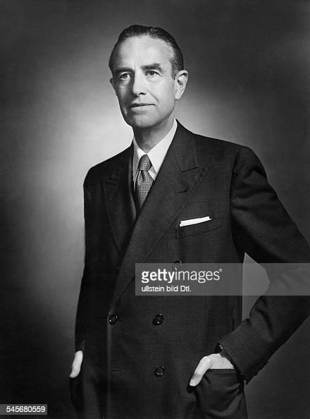 Harriman William Averell *15111891Diplomat Politiker Geschaeftsmann USA Halbportrait 1955
