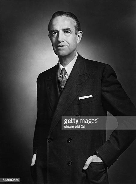 Harriman William Averell *15111891Diplomat Politiker Geschaeftsmann USA Halbportrait 1955