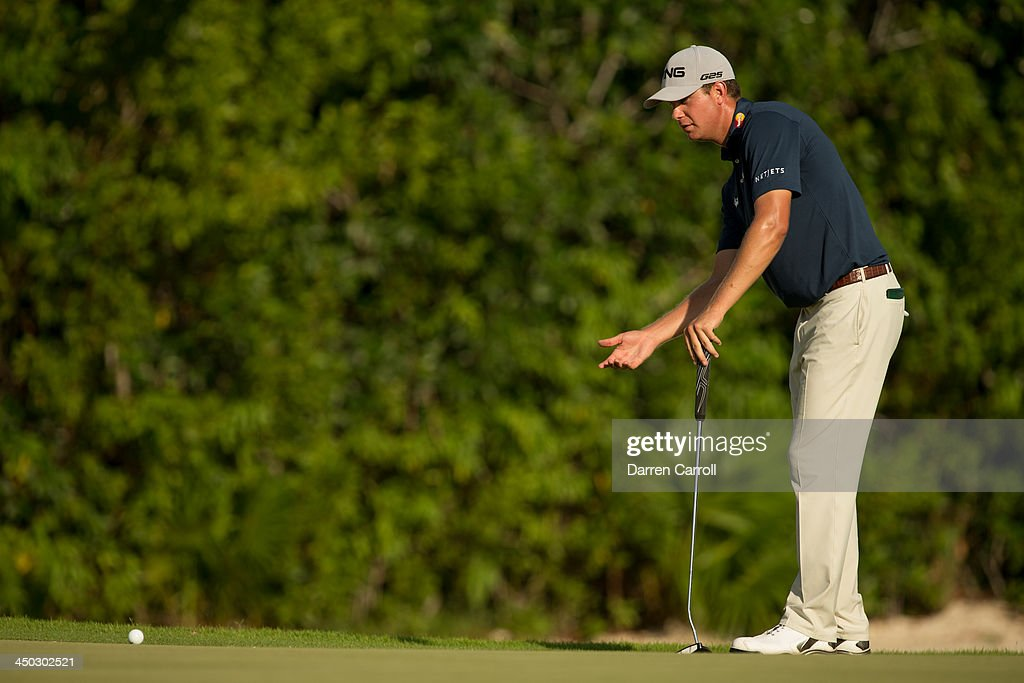 <a gi-track='captionPersonalityLinkClicked' href=/galleries/search?phrase=Harris+English&family=editorial&specificpeople=7754798 ng-click='$event.stopPropagation()'>Harris English</a> of the United States lines up a putt at the 16th hole during the final round of the 2013 OHL Classic at Mayakoba, played at El Camaleon Golf Club on November 17, 2013 in Playa Del Carmen, Mexico.