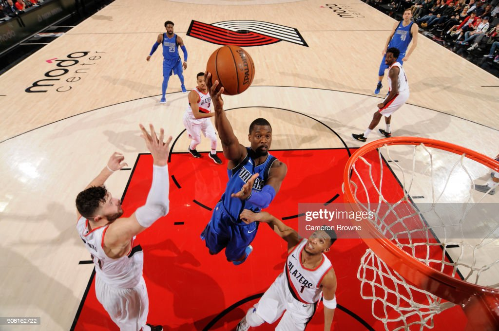 Harrison Barnes #40 of the Dallas Mavericks drives to the basket against the Portland Trail Blazers on January 20, 2018 at the Moda Center in Portland, Oregon.