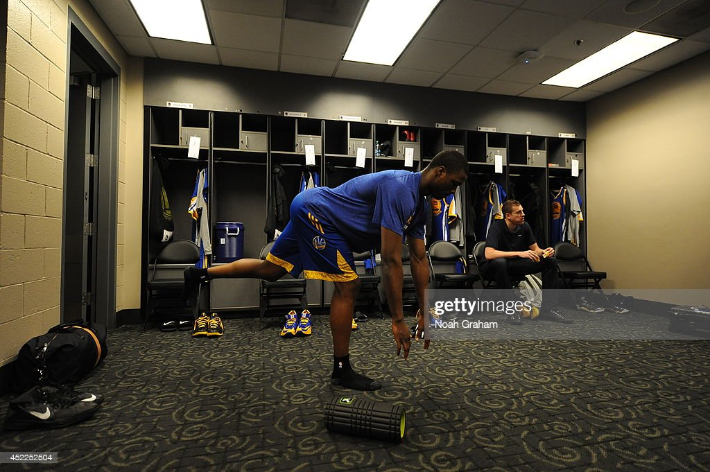 <a gi-track='captionPersonalityLinkClicked' href=/galleries/search?phrase=Harrison+Barnes&family=editorial&specificpeople=6893973 ng-click='$event.stopPropagation()'>Harrison Barnes</a> #40 of the Golden State Warriors stretches before the game against the Los Angeles Clippers at STAPLES Center on March 12, 2014 in Los Angeles, California.