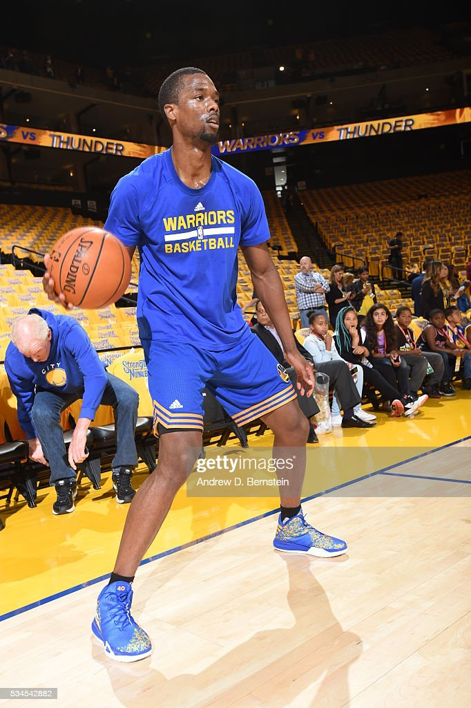 <a gi-track='captionPersonalityLinkClicked' href=/galleries/search?phrase=Harrison+Barnes&family=editorial&specificpeople=6893973 ng-click='$event.stopPropagation()'>Harrison Barnes</a> #40 of the Golden State Warriors warms up before the game against the Oklahoma City Thunder in Game Five of the Western Conference Finals during the 2016 NBA Playoffs on May 26, 2016 at ORACLE Arena in Oakland, California.