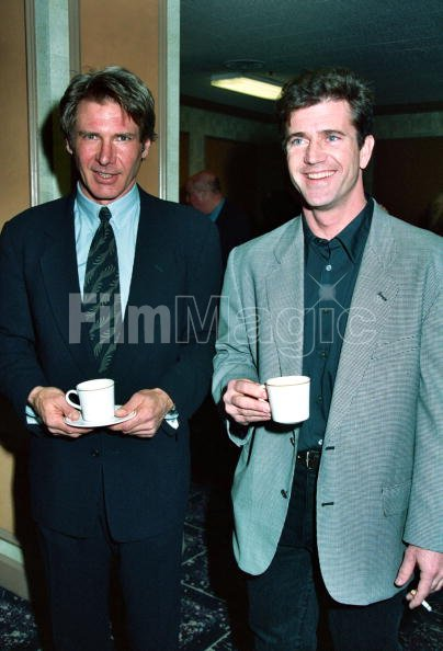 ¿Cuánto mide Mel Gibson? - Real height Harrison-ford-and-mel-gibson-picture-id85971283?s=594x594&w=107