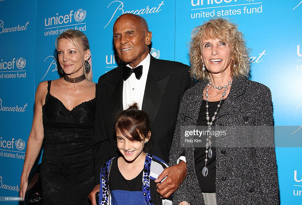 <a gi-track='captionPersonalityLinkClicked' href=/galleries/search?phrase=Harry+Belafonte&family=editorial&specificpeople=204214 ng-click='$event.stopPropagation()'>Harry Belafonte</a> (C) and family attend the 2012 UNICEF Snowflake Ball at Cipriani 42nd Street on November 27, 2012 in New York City.