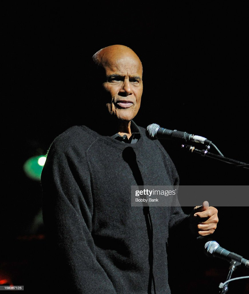 <a gi-track='captionPersonalityLinkClicked' href=/galleries/search?phrase=Harry+Belafonte&family=editorial&specificpeople=204214 ng-click='$event.stopPropagation()'>Harry Belafonte</a> performs at the 'Bring Leonard Peltier Home 2012' Concert at The Beacon Theatre on December 14, 2012 in New York City.