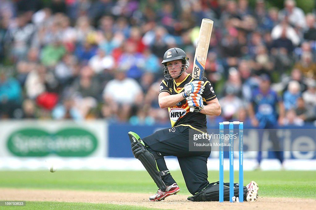 Harry Boam of Wellington sweeps to fine leg during the HRV T20 Final match between the Otago Volts and the Wellington Firebirds at University Oval on January 20, 2013 in Dunedin, New Zealand.