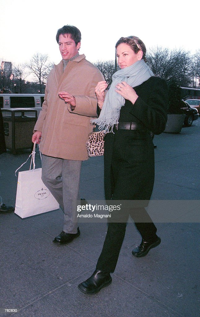 *EXCLUSIVE* Harry Connick Jr. and his wife Jill Goodacre, who was a Victoria's Secret model, walk out Cipriani Resturant at 59th and 5th Ave. December 28, 2000 in New York City.