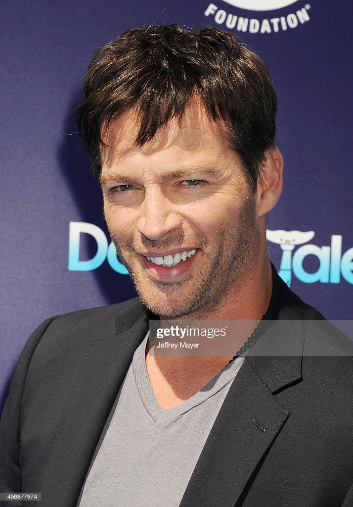 Harry Connick, Jr. arrives at the Los Angeles premiere of 'Dolphin Tale 2' at Regency Village Theatre on September 7, 2014 in Westwood, California.