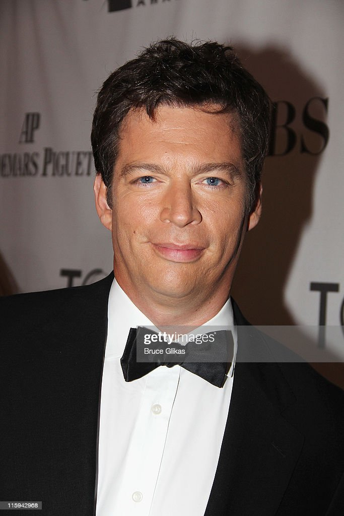 <a gi-track='captionPersonalityLinkClicked' href=/galleries/search?phrase=Harry+Connick+Jr&family=editorial&specificpeople=211285 ng-click='$event.stopPropagation()'>Harry Connick Jr</a>. attends the 65th Annual Tony Awards at the Beacon Theatre on June 12, 2011 in New York City.