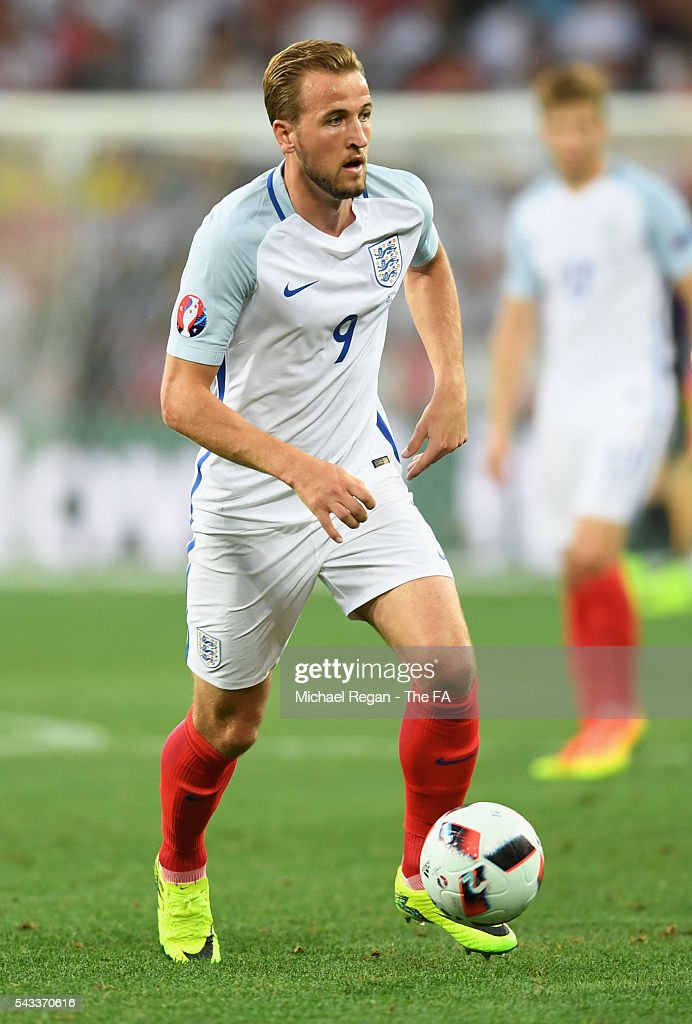 <a gi-track='captionPersonalityLinkClicked' href=/galleries/search?phrase=Harry+Kane+-+Soccer+Player&family=editorial&specificpeople=13636610 ng-click='$event.stopPropagation()'>Harry Kane</a> of England in action during the UEFA EURO 2016 round of 16 match between England and Iceland at Allianz Riviera Stadium on June 27, 2016 in Nice, France.