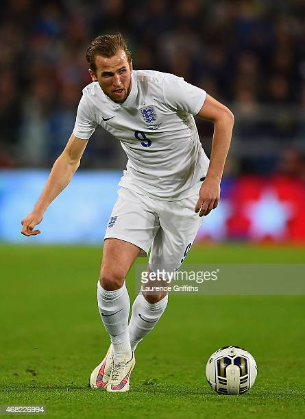 Harry Kane of England on the ball during the international friendly match between Italy and England at the Juventus Arena on March 31 2015 in Turin...