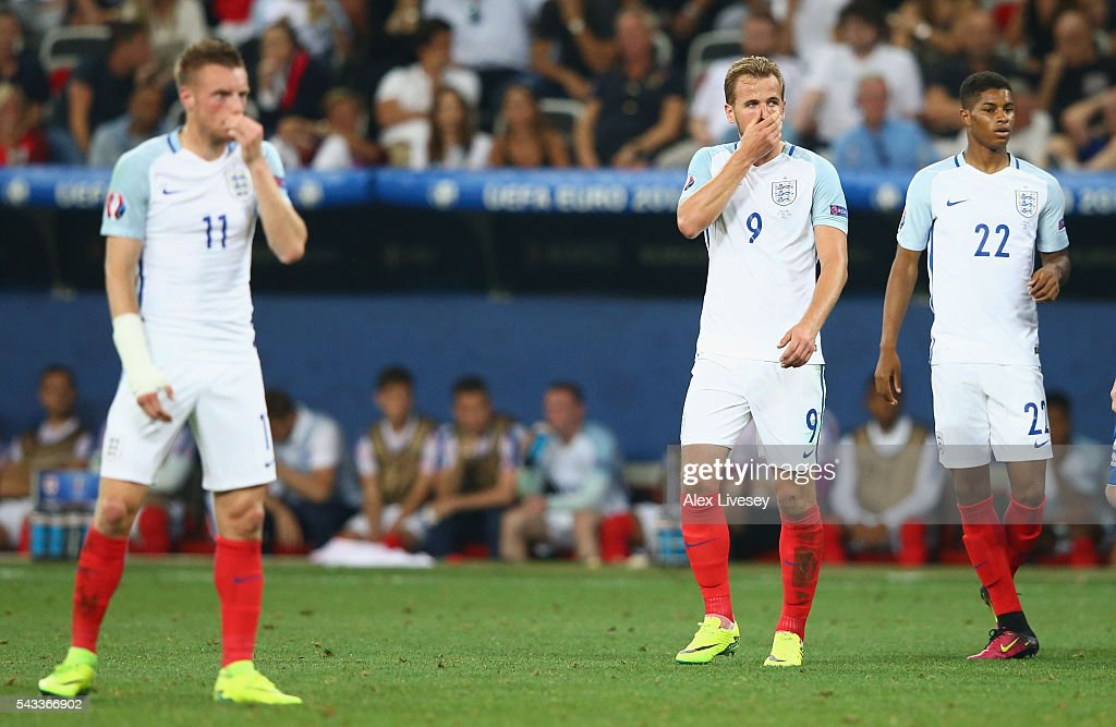 <a gi-track='captionPersonalityLinkClicked' href=/galleries/search?phrase=Harry+Kane+-+Soccer+Player&family=editorial&specificpeople=13636610 ng-click='$event.stopPropagation()'>Harry Kane</a> (C) of England reacts during the UEFA EURO 2016 round of 16 match between England and Iceland at Allianz Riviera Stadium on June 27, 2016 in Nice, France.