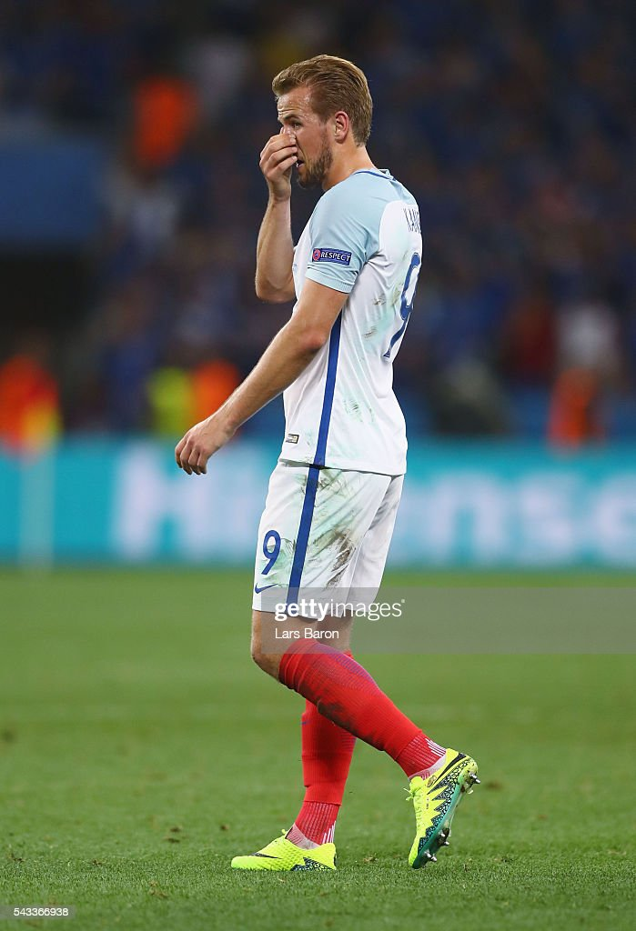 <a gi-track='captionPersonalityLinkClicked' href=/galleries/search?phrase=Harry+Kane+-+Soccer+Player&family=editorial&specificpeople=13636610 ng-click='$event.stopPropagation()'>Harry Kane</a> of England reacts during the UEFA EURO 2016 round of 16 match between England and Iceland at Allianz Riviera Stadium on June 27, 2016 in Nice, France.
