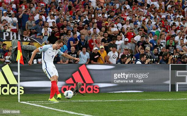 Harry Kane of England takes a corner kick during the UEFA EURO 2016 Group B match between England and Russia at Stade Velodrome on June 11 2016 in...