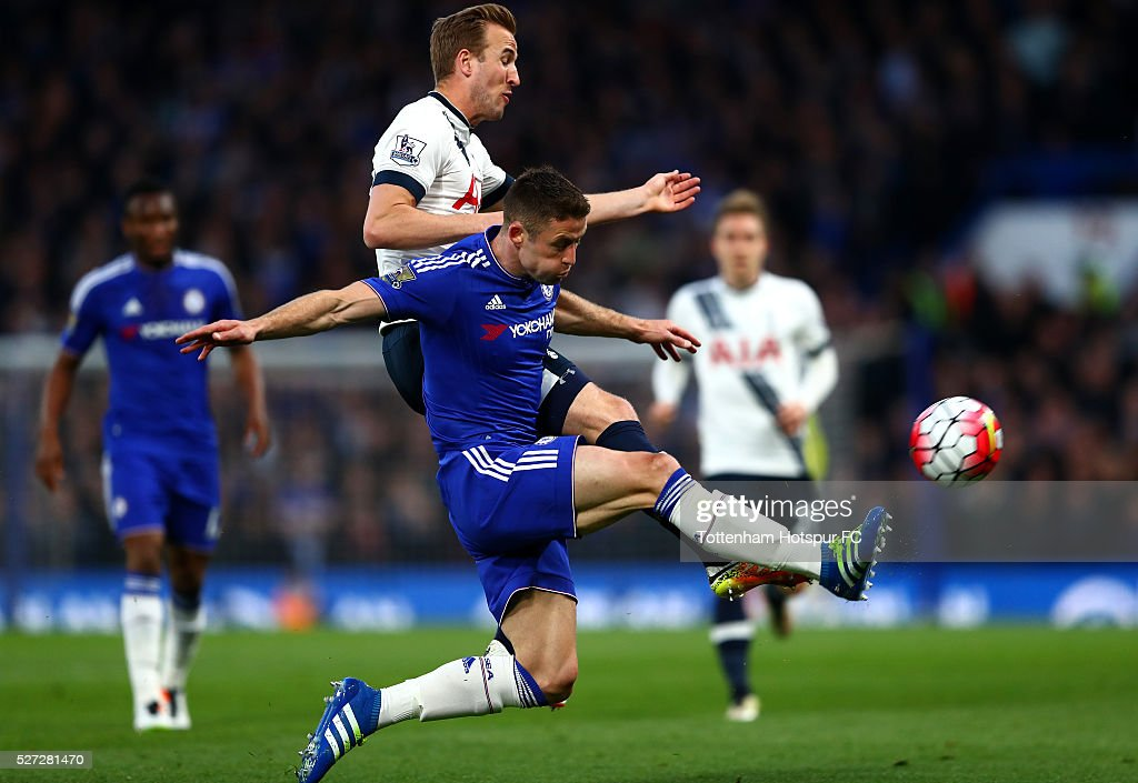 Harry Kane of Tottenham Hotspur and Gary Cahill of Chelsea battle for the ball during the Barclays Premier League match between Chelsea and Tottenham Hotspur at Stamford Bridge on May 02, 2016 in London, England.