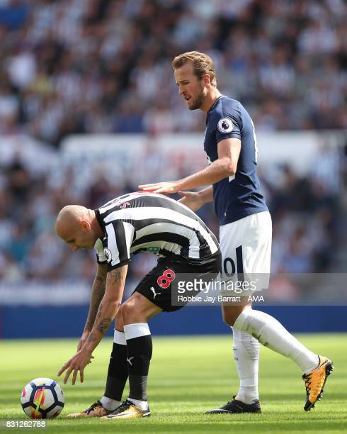 Harry Kane of Tottenham Hotspur and Jonjo Shelvey of Newcastle United have a disagreement during the Premier League match between Newcastle United...