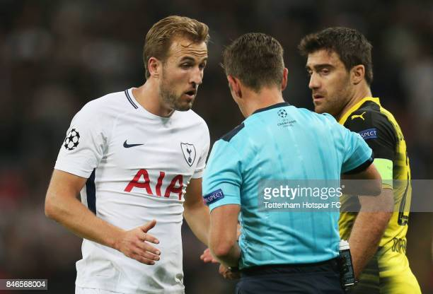 Harry Kane of Tottenham Hotspur argues with referee Gianluca Rocchi during the UEFA Champions League group H match between Tottenham Hotspur and...