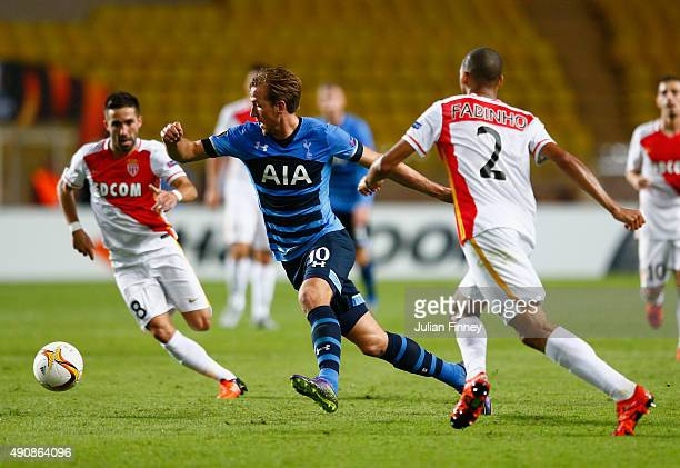 Harry Kane of Tottenham Hotspur breaks with the ball during the UEFA Europa League group J match between AS Monaco FC and Tottenham Hotspur FC at...