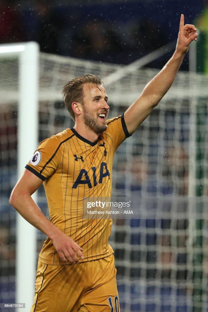 Harry Kane of Tottenham Hotspur celebrates scoring a goal to make it 1-6 during the Premier League match between Leicester City and Tottenham Hotspur at The King Power Stadium on May 18, 2017 in Leicester, England.
