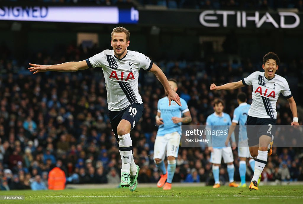<a gi-track='captionPersonalityLinkClicked' href=/galleries/search?phrase=Harry+Kane+-+Soccer+Player&family=editorial&specificpeople=13636610 ng-click='$event.stopPropagation()'>Harry Kane</a> of Tottenham Hotspur celebrates scoring his penalty during the Barclays Premier League match between Manchester City and Tottenham Hotspur at Etihad Stadium on February 14, 2016 in Manchester, England.