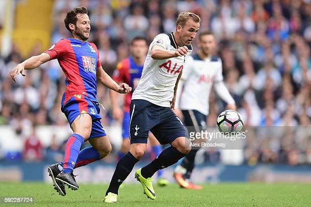 Harry Kane of Tottenham Hotspur is closed down by Yohan Cabaye of Crystal Palace during the Premier League match between Tottenham Hotspur and...