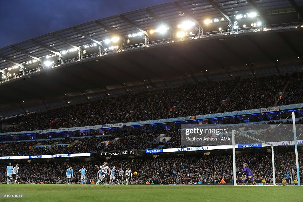 <a gi-track='captionPersonalityLinkClicked' href=/galleries/search?phrase=Harry+Kane+-+Soccer+Player&family=editorial&specificpeople=13636610 ng-click='$event.stopPropagation()'>Harry Kane</a> of Tottenham Hotspur scores a second half penalty goal to make it 0-1 during the Barclays Premier League match between Manchester City and Tottenham Hotsput at the Etihad Stadium Bloomfield Road on February 14, 2016 in Manchester, England.