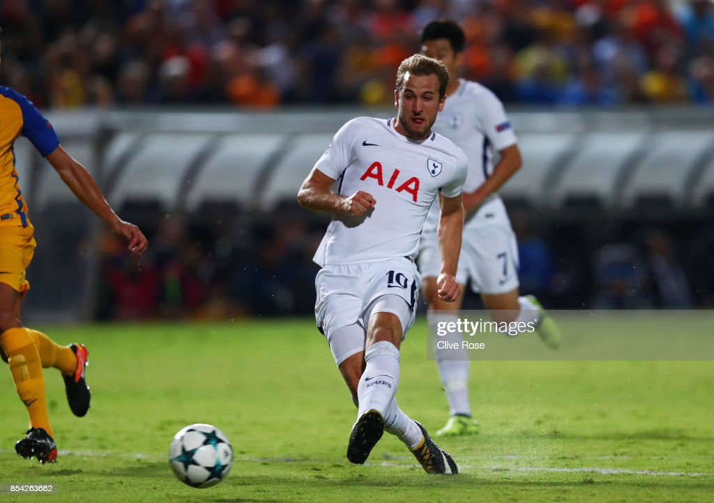 Harry Kane of Tottenham Hotspur scores his sides first goal during the UEFA Champions League Group H match between Apoel Nicosia and Tottenham Hotspur at GSP Stadium on September 26, 2017 in Nicosia, Cyprus.