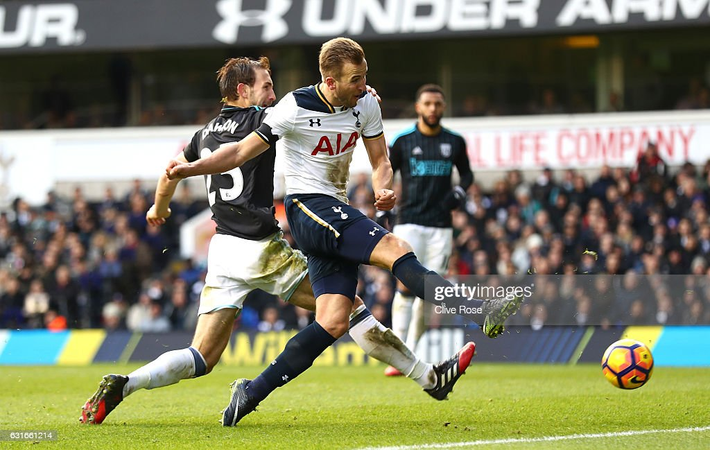 Harry Kane of Tottenham Hotspur (R) scores his sides fourth goal during the Premier League match between Tottenham Hotspur and West Bromwich Albion at White Hart Lane on January 14, 2017 in London, England.