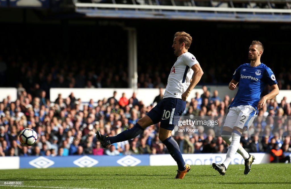 Harry Kane of Tottenham Hotspur scores his sides third goal during the Premier League match between Everton and Tottenham Hotspur at Goodison Park on September 9, 2017 in Liverpool, England.