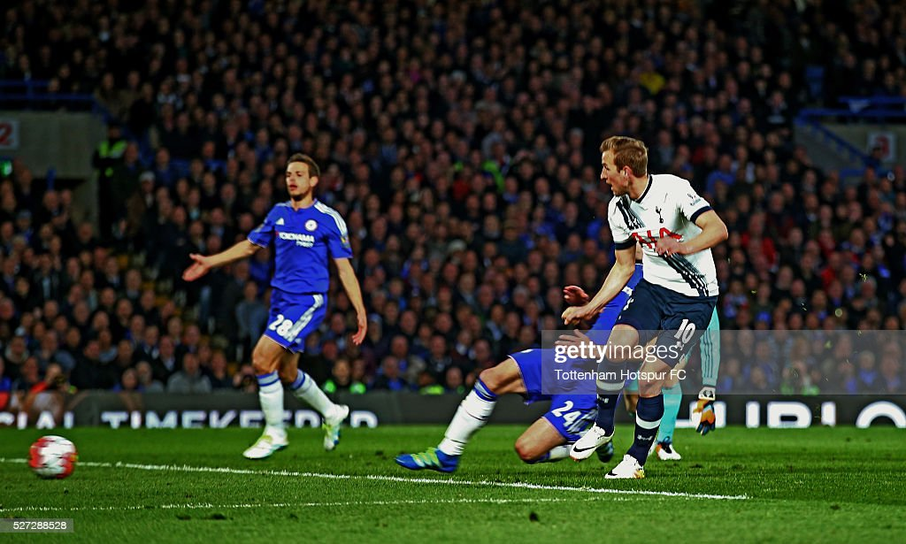 Harry Kane of Tottenham Hotspur splits open the Chelsea defence to score the opening goal during the Barclays Premier League match between Chelsea and Tottenham Hotspur at Stamford Bridge on May 02, 2016 in London, England.jd
