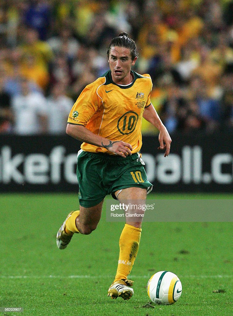 Harry Kewell #10 for the Socceroos in action during the second leg of the 2006 FIFA World Cup qualifying match between Australia and Uruguay at Telstra Stadium November 16, 2005 in Sydney, Australia.