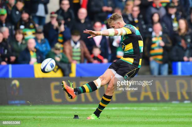 Harry Mallinder of Northampton Saints kicks a penalty Champions Cup Playoff match between Northampton Saints and Connacht at Franklin's Gardens on...