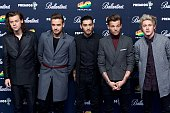 Harry Styles Liam Payne Zayn Malik Louis Tomlinson and Niall Horan of One Direction attend the 40 Principales Awards 2014 photocall at the...